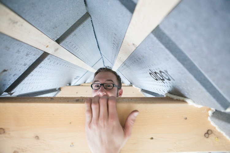 Dämmung für Dach mit Schalung und Teerpappe
